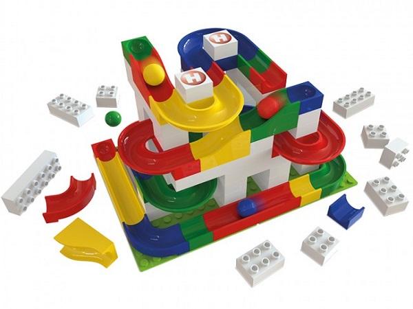 Steze s frnikolami so idealne igrače za otroke